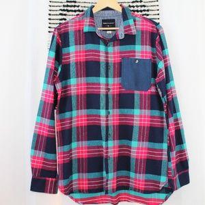 NWOT Modern Amusement Men's Flannel Plaid Shirt